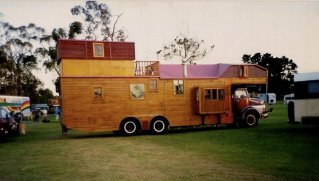 Housetruck in New Zealand - photographer Zotora Nygaard