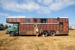 gypsies looking into camera housetrucks-2