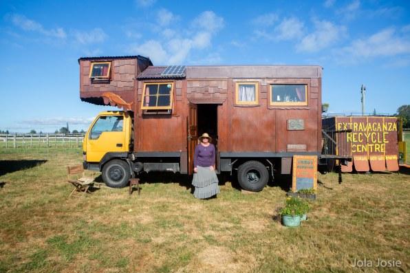 gypsies looking into camera housetrucks-3